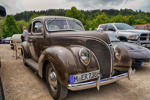 ford_deluxe_v8_2915