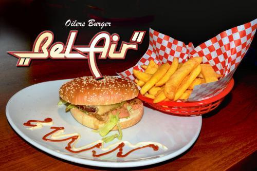 oilers_burger_belair_6794